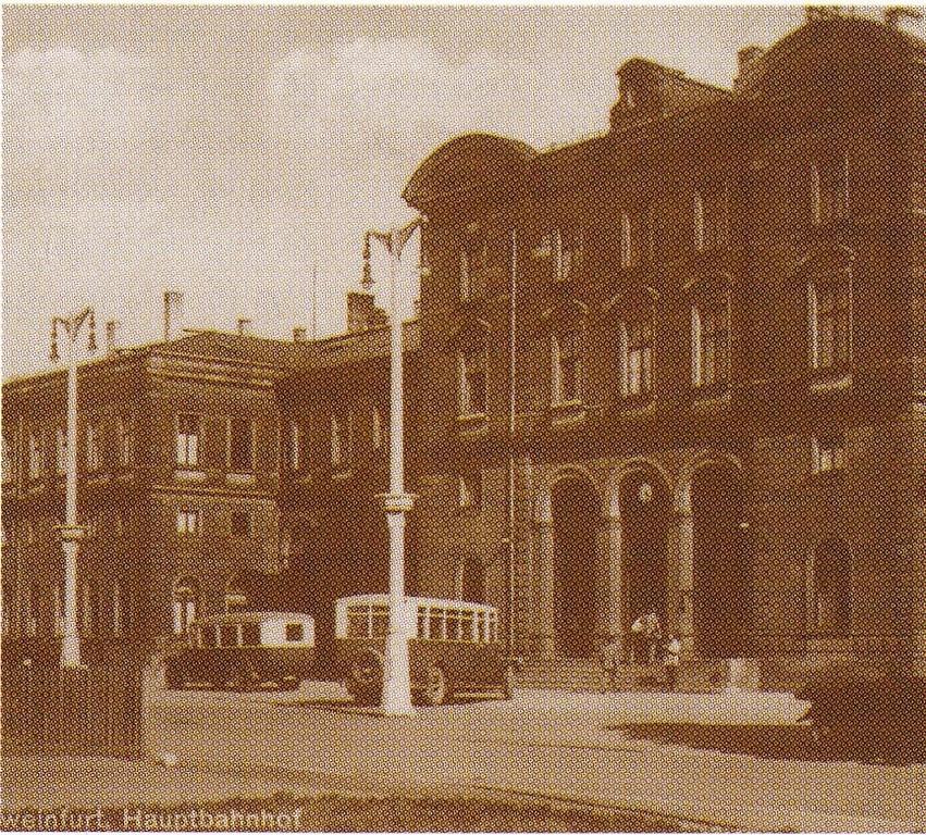 Hauptbahnhof mit Omnibussen 1926