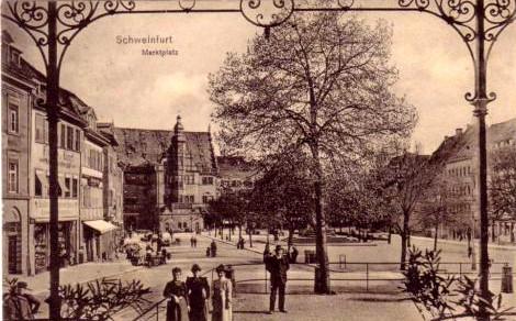 Der Marktplatz um 1915