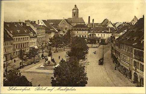 Der Marktplatz um 1920
