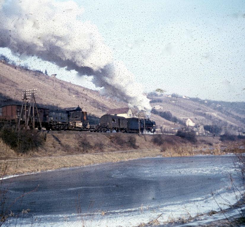 Am Leinritt - die Dampflok auf dem Weg nach Mainberg, Ende 1959