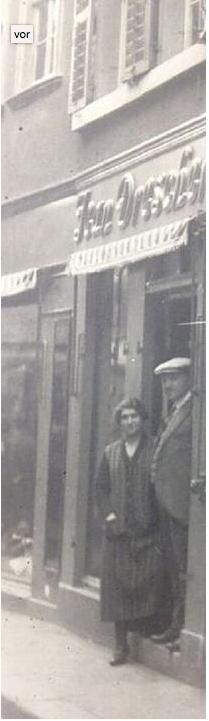 Otto und Margareta Drescher vor dem Geschäft in der Keßlergasse, das sie in den 1920ern vom Vater Jean Drescher übernommen hatten