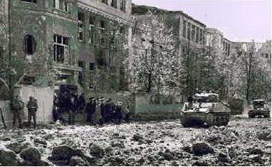 Ludwigstraße - die amerikanische Division dringt in die Innenstadt ein