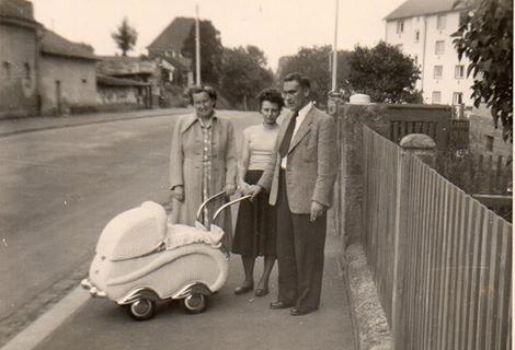 Vor der Deutschhöferstraße 6 August 1954 - Danke an Eva-Maria Ruppert