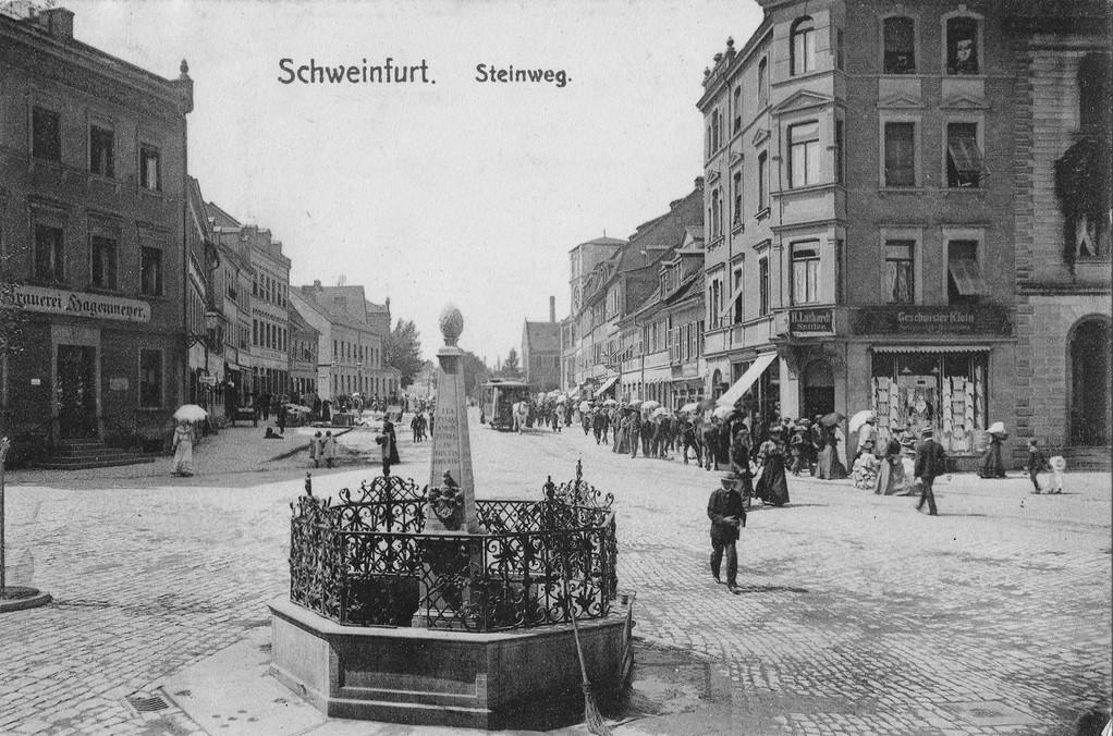 Schultesstraße mit Hl- Geistkirche hinten rechts kurzer Turm um 1903