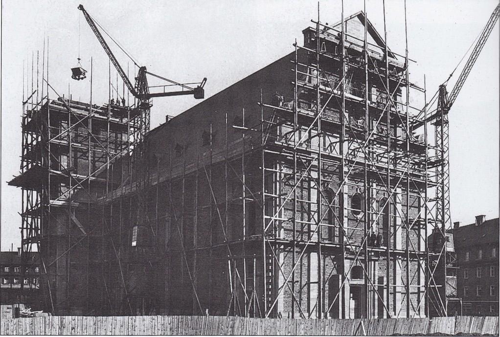 Der Bautenstand der Kilianskirche im Jahre 1927 am 08. April; Foto: Stadtarchiv