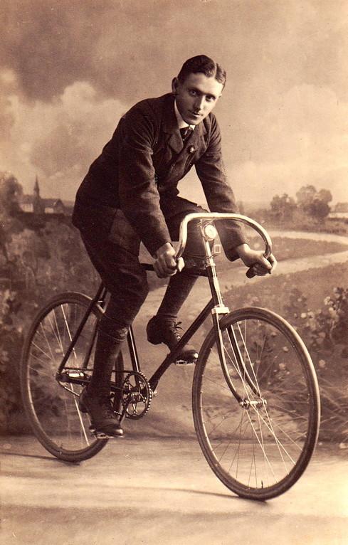 unbekannter Gochsheim Radrennfahrer