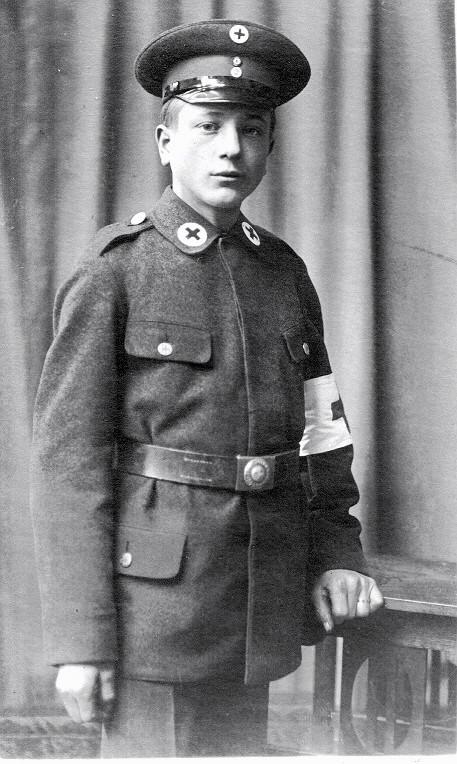 Adolf Winter, Mitglied des Roten Kreuz, Schweinfurt