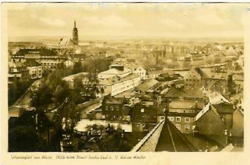 Blick von der Hl. Geist-Kirche auf das Ernst-Sachs-Bad; im Hintergrund die alte Kilianskirche - um 1940