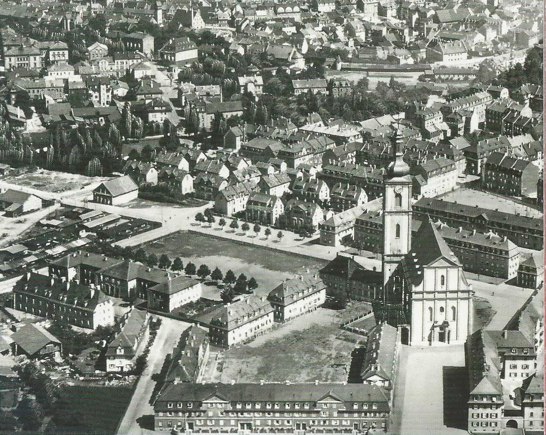 Luftbild aus den 1930ern - in der Bildmitte an der Stadtmauer der Höpperlesturm