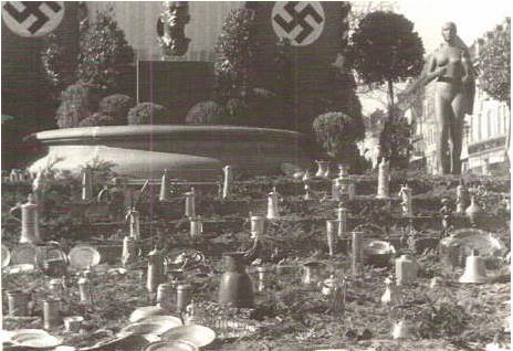Metallsammlung am Rückert-Denkmal