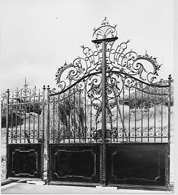Schmiedeeisernes Tor, gefertigt in der Werkstatt von Georg Schäfer im Jahr 1891