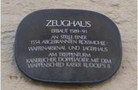 Informationstafel am Treppenturm des Schweinfurter Zeughauses