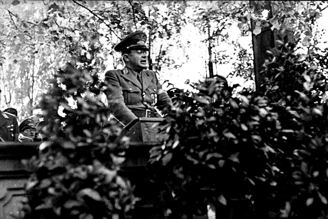 Gauleiter Hellmuth spricht in Schweinfurt 1943