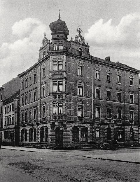Sattlerstraße 1 - Gaststätte Gambrinus - um 1900