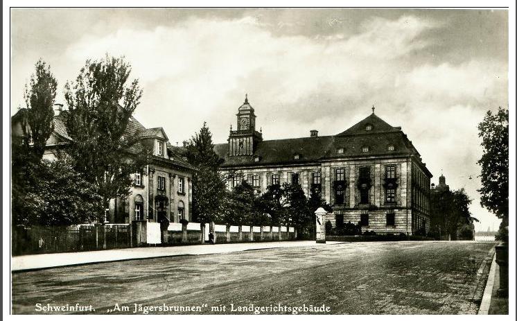 Justizgebäude vom Jägersbrunnen aus gesehen