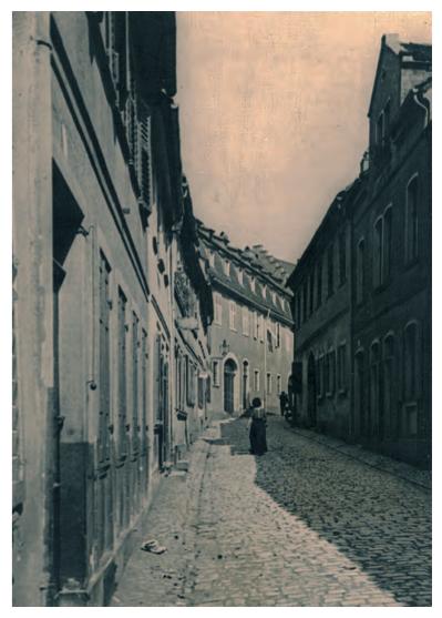 Kirchgasse um 1900 - geradehaus im Hintergrund das Sattlerhaus