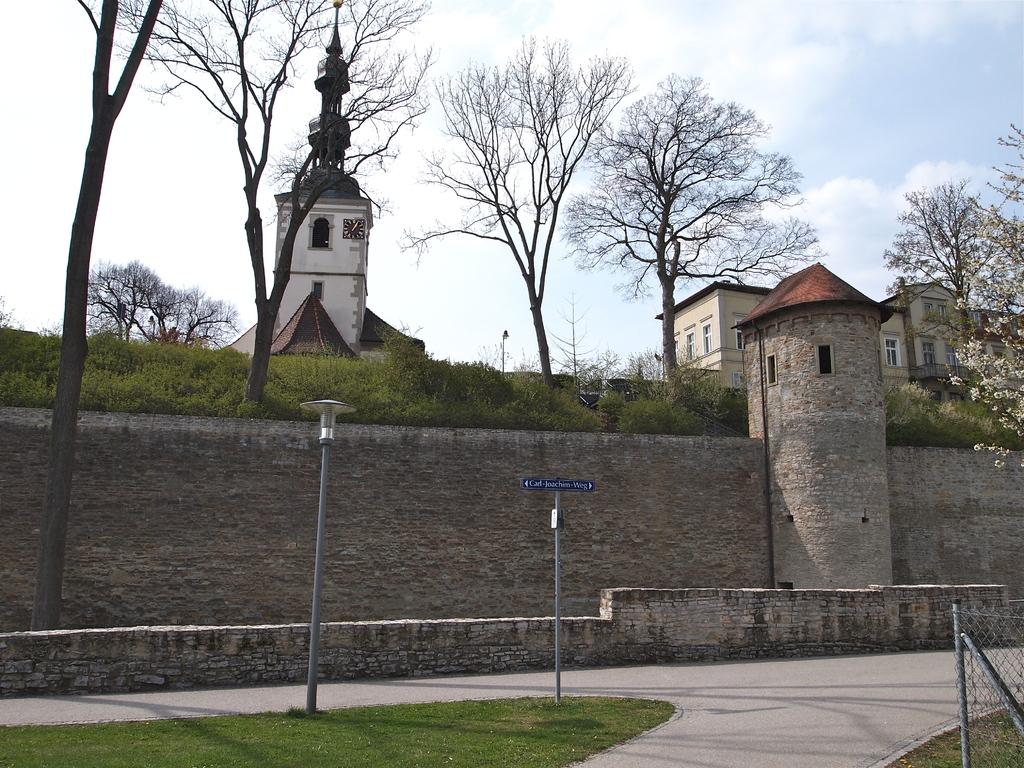 2012 - St. Salvator hinter Schweinfurter Stadtmauer