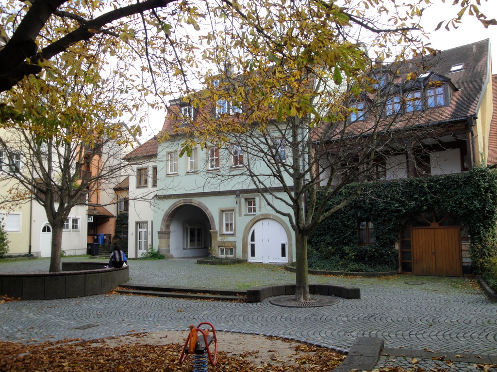 Hinterhof des Schrotturms mit Blick auf Durchgang zur Judengasse