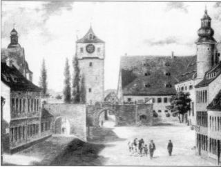 Spitalkirche auf der rechten Seite neben dem einstigen Spitaltor
