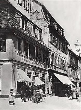 Eisenhandel Julius Freidrich Krönlein Ecke Kesslergasse/Postplatz (heute Gg.-Wichtermann-Platz Die Eisenwarenhandlung wurde 1857 gegründet