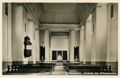 Das Innere der alten Kirche aus der Vorkriegszeit