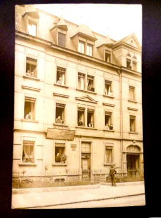 Schweinfurt, Geschäftshaus Valentin Kaidel-L.Götz Dach- und Schieferdeckermeister ca. 1910
