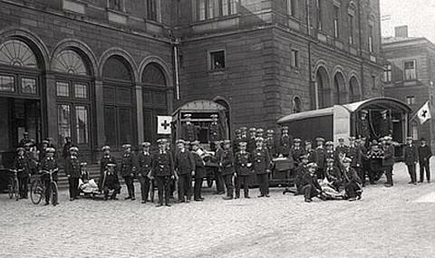 Sanitätskolonne am Hauptbahnhof 1917