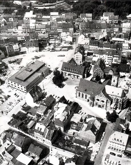 Schweinfurt Zentrum . links mittig der Rückertbau - Rest noch unbebaut - Nachkriegsfoto