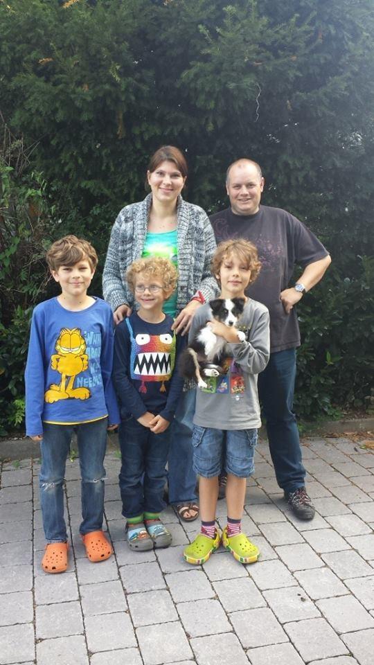 Atanu (Balou) mit seiner Familie