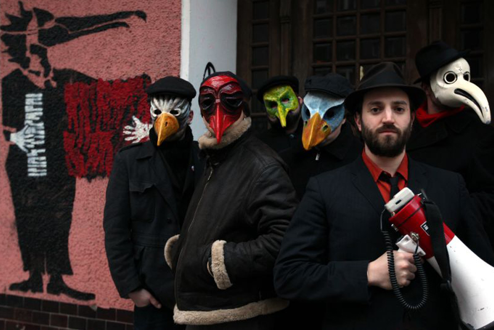 Daniel Kahn & The Painted Bird with masks by artevale