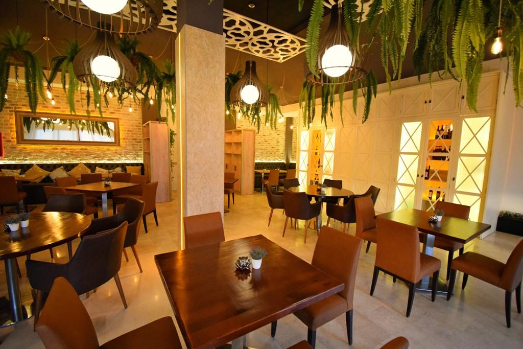 Resultado de imagen de decoracion restaurantes diseño
