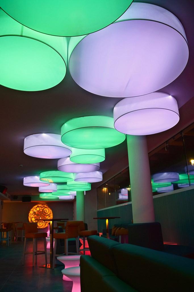 Resultado de imagen de decoracion restaurantes hoteles