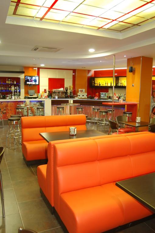 Resultado de imagen de decoracion restaurantes de comida rapida