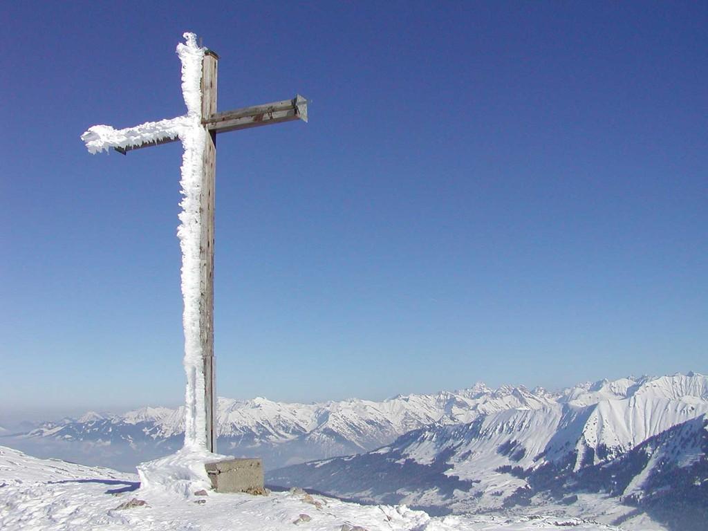 Hahnenköpfle Gipfelkreuz - Blick in die Oberstdorfer Berge