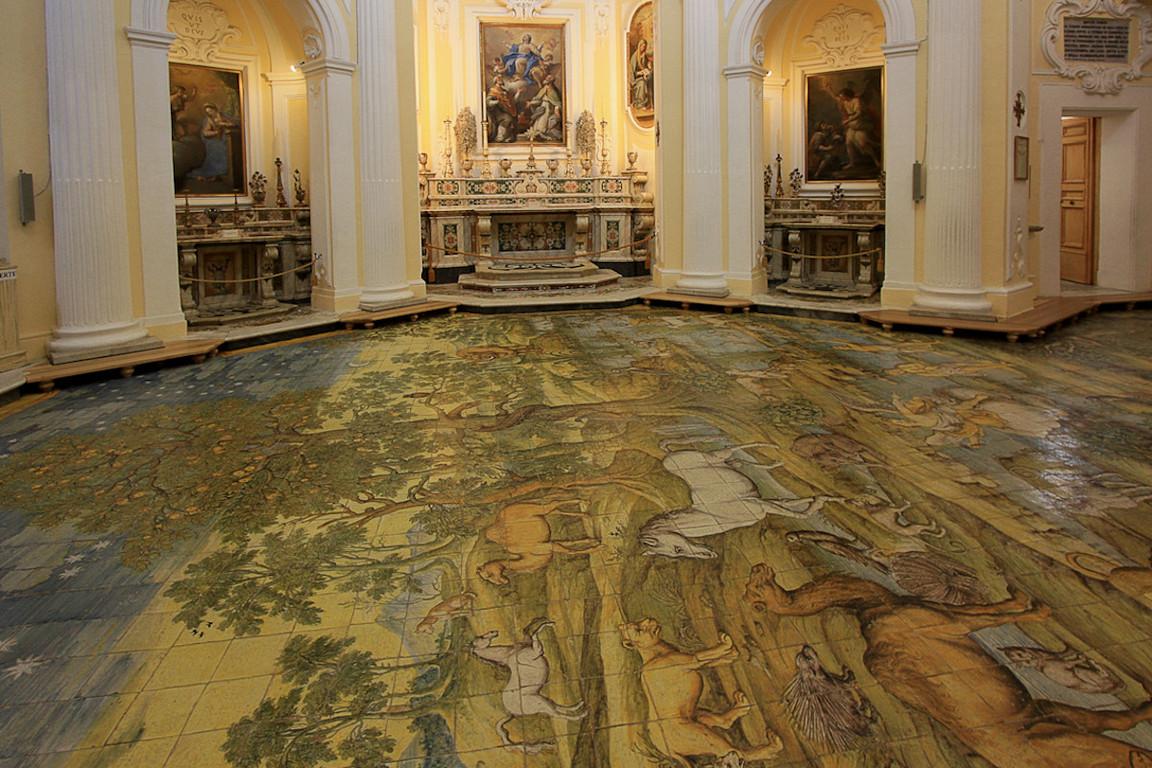 Chiesa di San Michele z porcelanowa posadzka