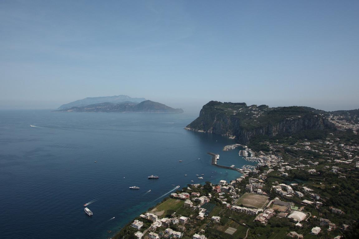 Spojrzenie na port z Anacapri