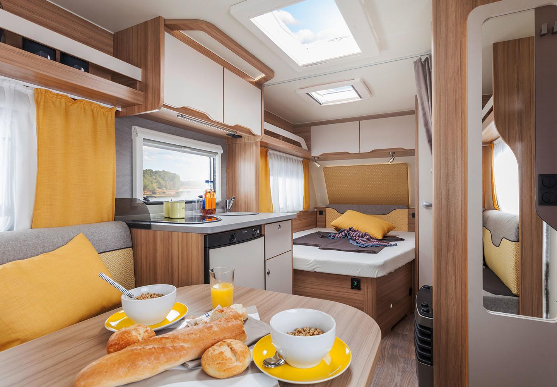 weinsberg cara two 450 fu wohnwagen wohnmobil mieten. Black Bedroom Furniture Sets. Home Design Ideas