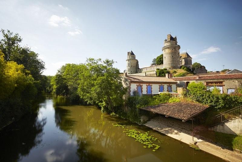 Apremont - le Chateau