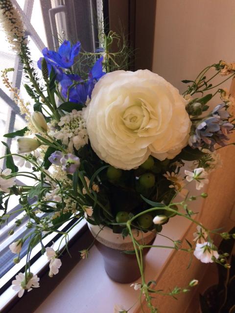 偲ぶ会のおすそ分けにいただいたお花です。
