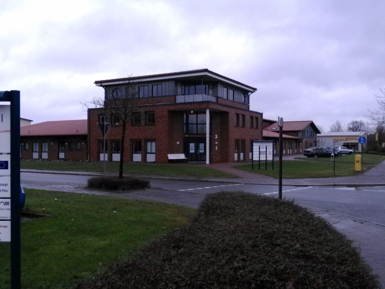 Gebäude in dem Zobels Computerdienste untergebracht ist (von Weitem)