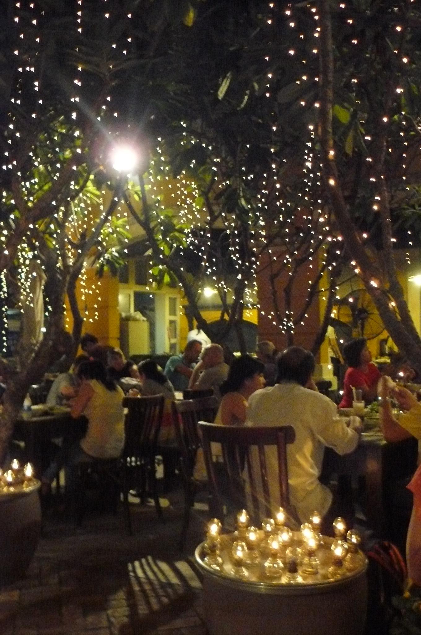 Vietnam, Ho Chi Minh-Stadt - Roman und Lena gehen an Romans Geburtstag essen