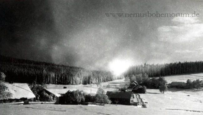 Heinrichsberg in winterlicher Flur.