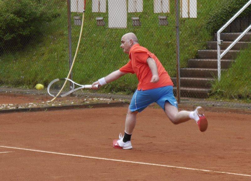 Christopf Bornscheuer: Den Ball erlaufe ich doch locker auf einem Bein