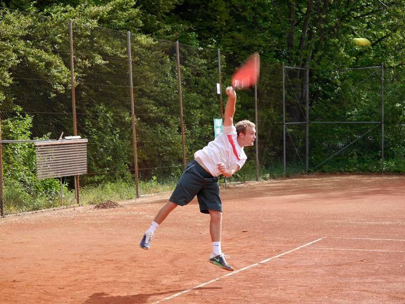 Philipp Bien á la House of Pain: Jump up, jump up and get down. I serve you as like John McEnroe...