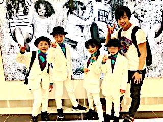 キッズ ダンス の 育成 に力を入れている、浜松 ダンス スクール Triple Starの キッズ ロック ダンス チーム クロックハンズ が先日イオン 浜松 志都呂店で行なわれた、 全国 キッズ ダンス パフォーマンス コンテスト で全国大会に出場が決定しました。