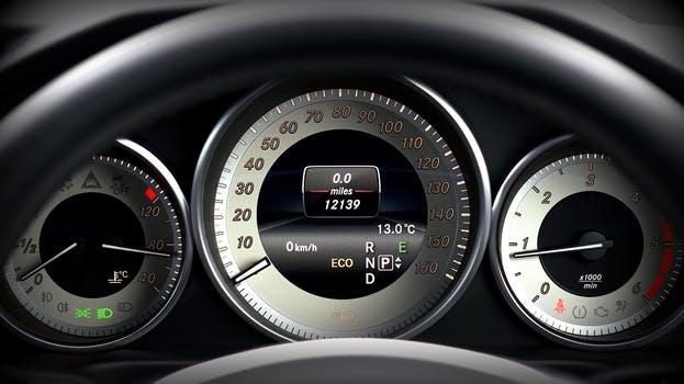 Elektronik- Diagnose Klimaservice und Klimadesinfektion Bremsrevisionen Abgaswartung