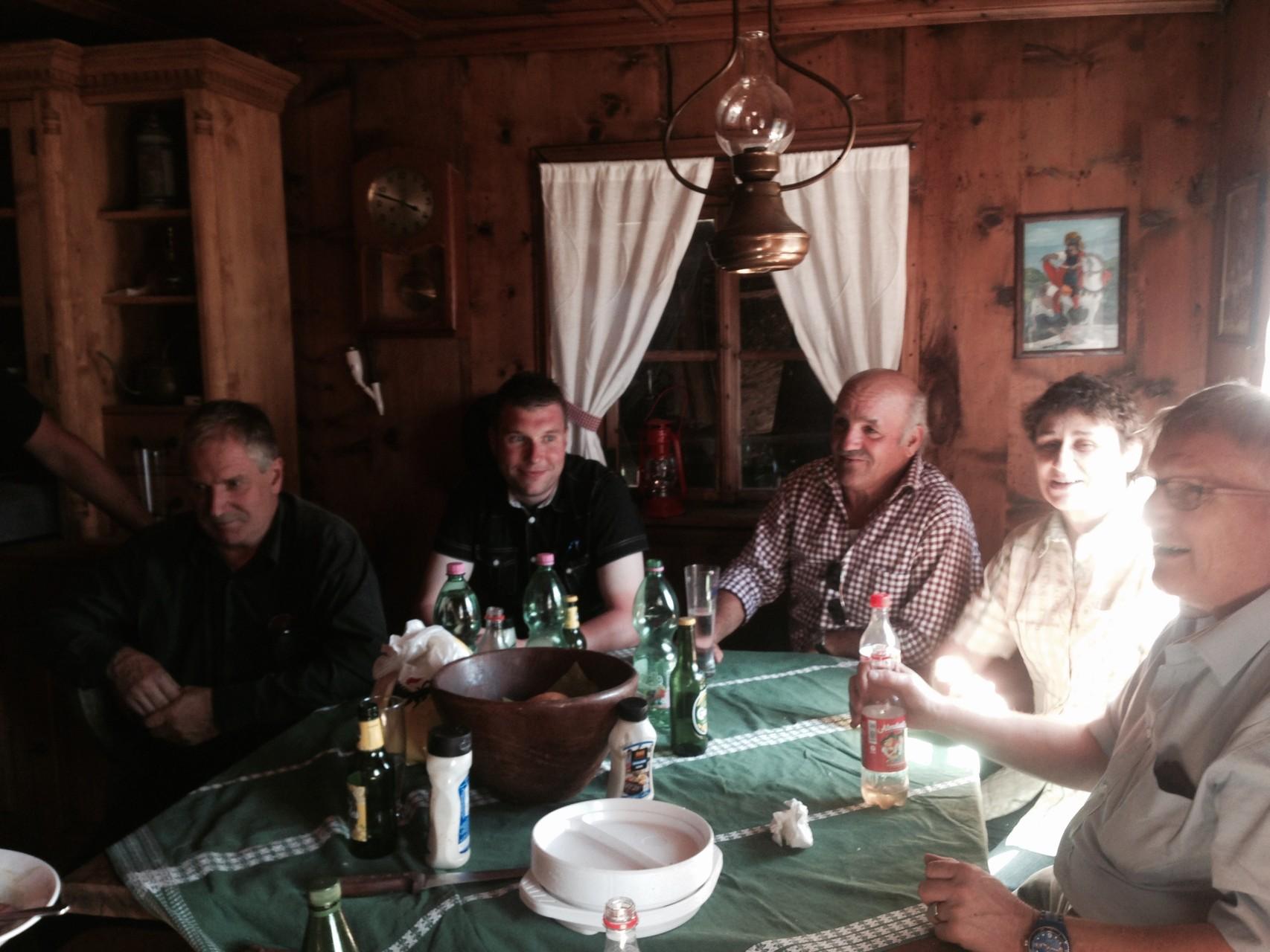 Mittagessen auf der Hütte