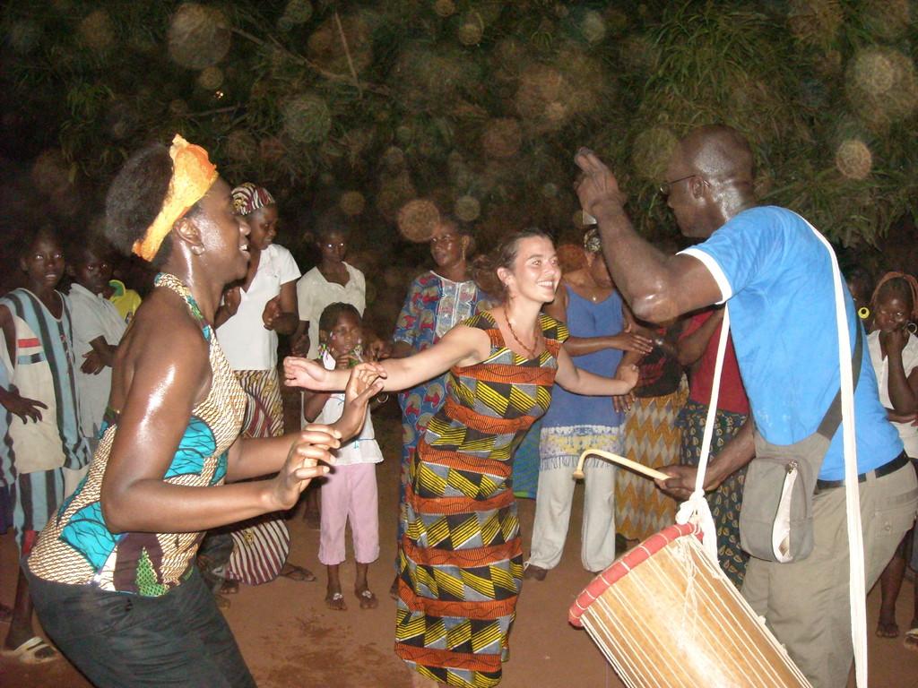 Soirée improvisée chez Oumou Dédé Damba