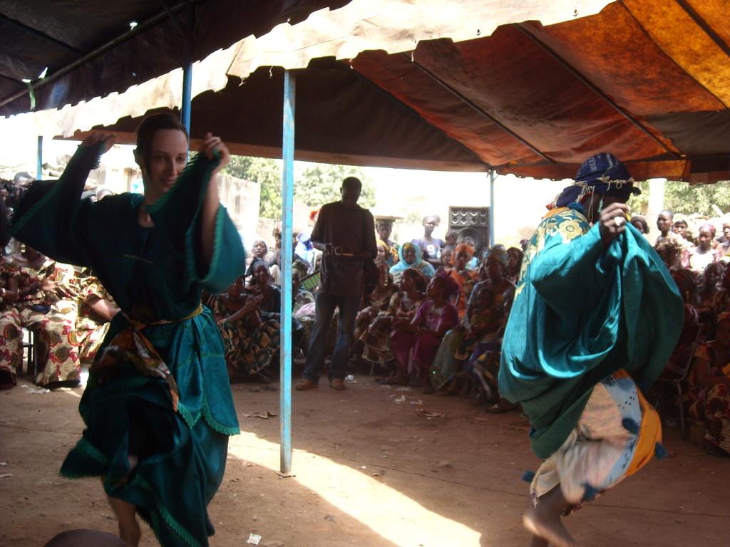 À la cérémonie... Danse khassonkée