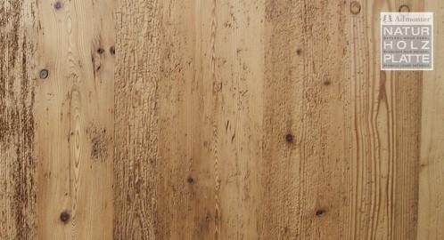 Altholz wurmstichig